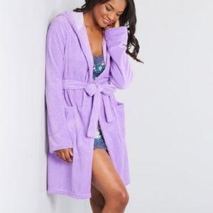 ModCloth Plush Lavender Short Hooded Robe sz M/L